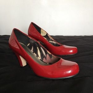 Red Madden Girl Pumps